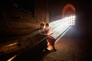 Bagan temple little monk, Feng Dawei_1